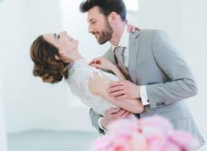 Hochzeitsanzug nach Maß: Fünf praktische Pakete zur Wahl
