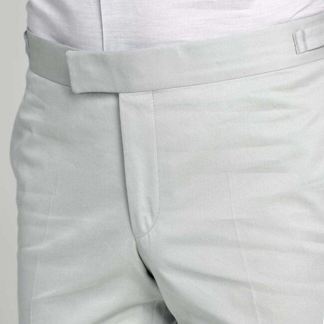 Hosenbund mit verstellbaren Riegeln