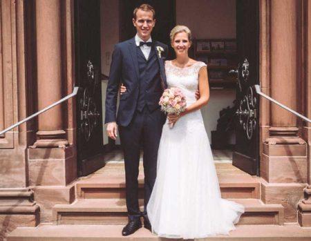 Klassisch schöner Hochzeitsanzug