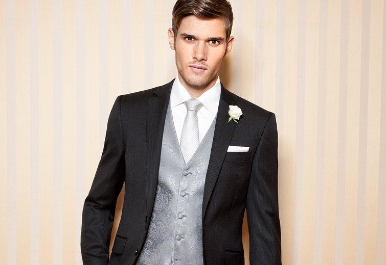 Im schwarzen Anzug zur Hochzeit