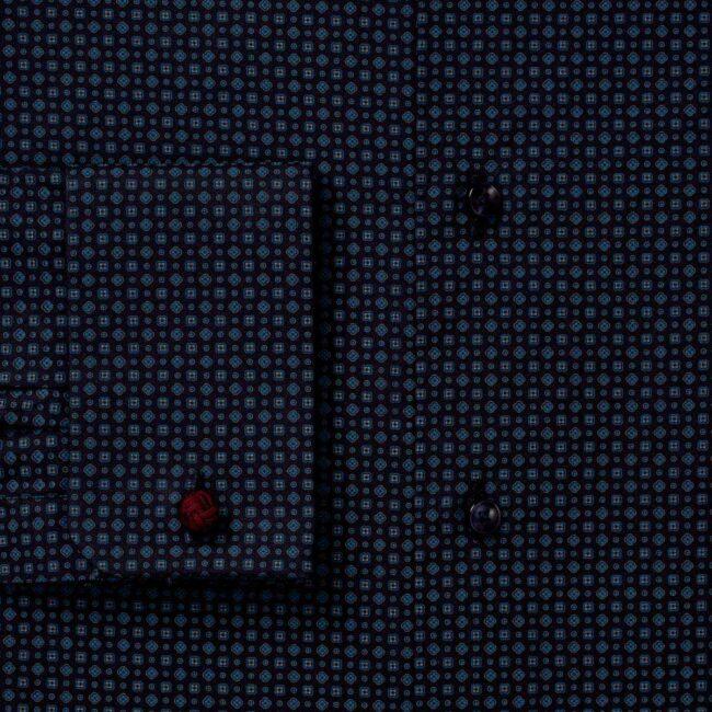 Dunkelblaues Maßhemd mit Piccadilly-Kragen