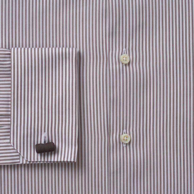Elegantes Streifenhemd in Weiß und Braun