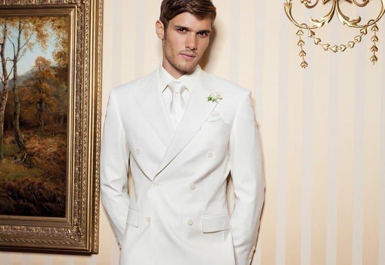 Im weißen Anzug zur Hochzeit