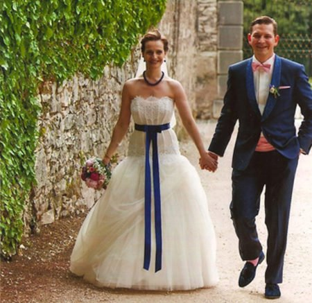 Hochzeitsanzug mit Kummerbund