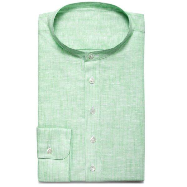 Stehkragen-Hemd aus hellgrünem Leinen