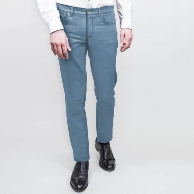 Jeans nach Maß aus hellem Denim