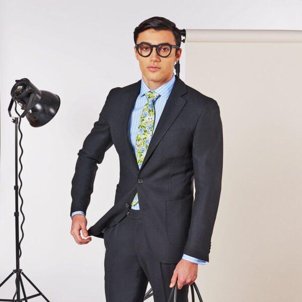 Schwarzer Anzug im Casual Stil
