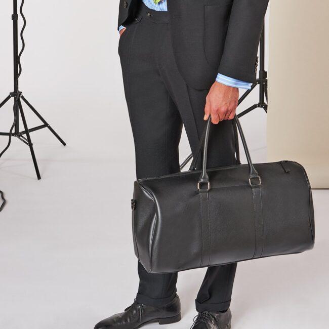 A Schwarz pants - Schwarzer Anzug mit leichtem Smart Casual Sakko und Bundfaltenhose