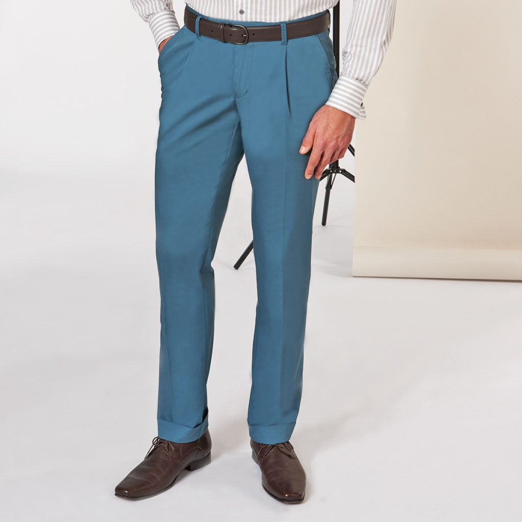 blaue Chino nach Maß